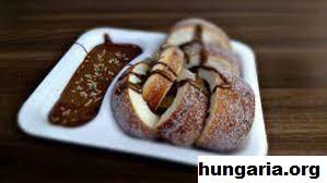 5 Makanan Penutup Khas Hungaria Yang Menggugah Selera