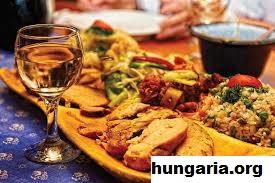 Makanan Lokal Unik Khas Hungaria Yang Wajib Dicoba